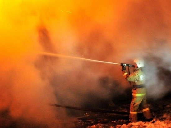 Сотрудники МЧС грамотно и оперативно справились с пожаром на газопроводе