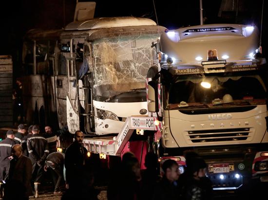 Взрыв автобуса в Египте поставил под угрозу возобновление российских чартеров