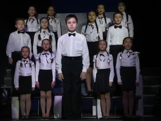 Дети Нижнекамска поздравили Светлакова песней на татарском языке