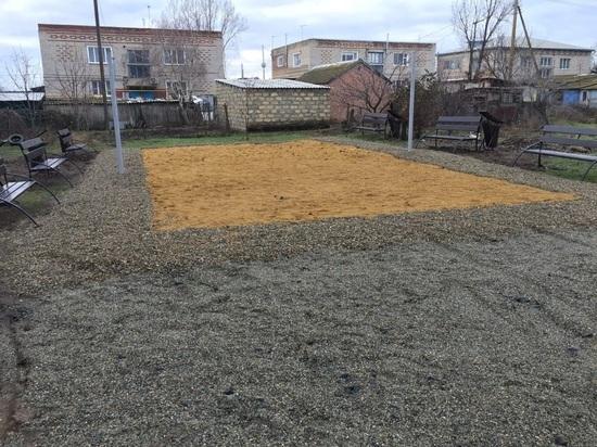 Активисты ОНФ в Калмыкии оценили благоустройство дворов