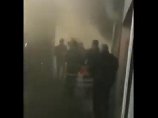 Пожар на рынке Краснодара тушили 50 человек