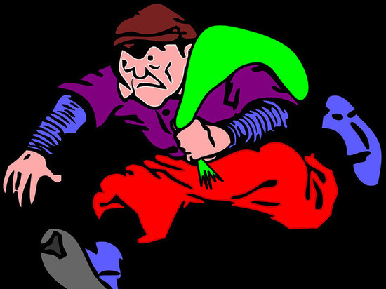 Мужчина в домашних тапочках ограбил старушку в Барнауле