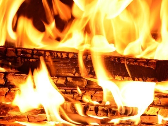 Огнеборцы ликвидировали пожар в Сургуте