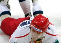 Стало известно имя избившего стюардессу хоккеиста-авиадебошира
