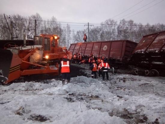 В Свердловской области с рельс сошли 16 железнодорожных вагонов