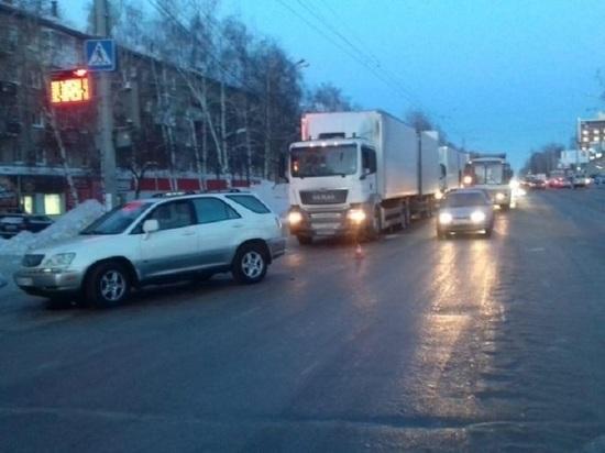 В Томске водитель джипа сбил трех женщин на пешеходном переходе