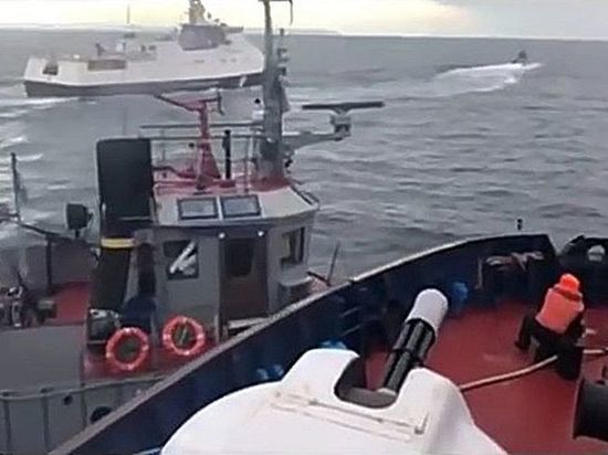 Порошенко премировал моряков за попытку Керченского прорыва