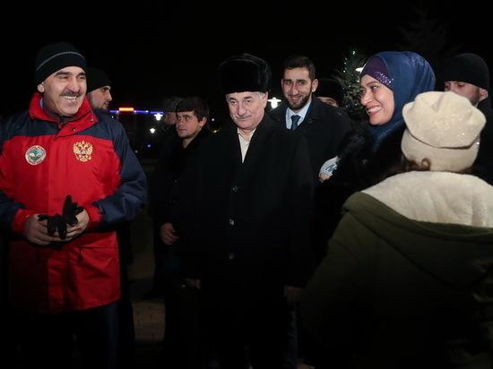 Евкуров встретил новый год в весёлой толпе магасцев