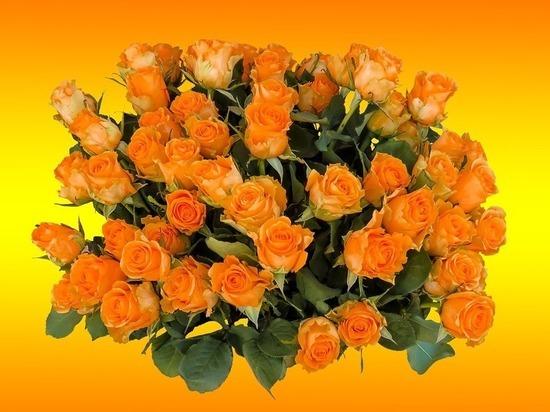 За несколько минут до Нового года барнаулец ограбил цветочную лавку
