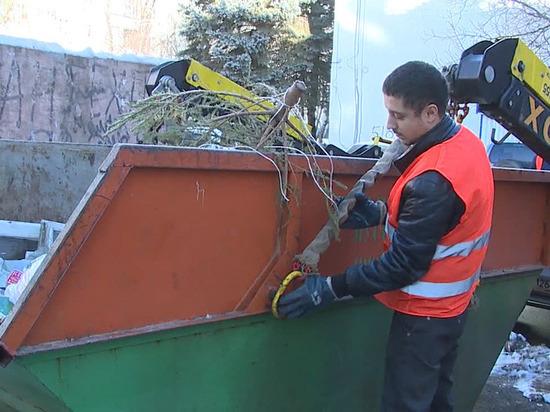 Ставропольцев просят убрать машины от мусорных контейнеров