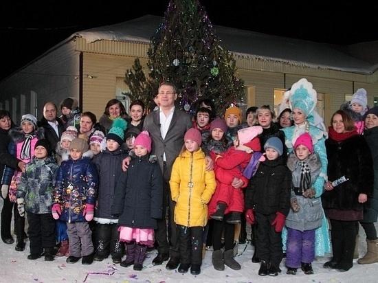 Хабиров поздравил жителей Башкирии с Новым годом вместе с сиротами