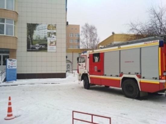 В Екатеринбурге из-за пожара эвакуировали пациентов медцентра