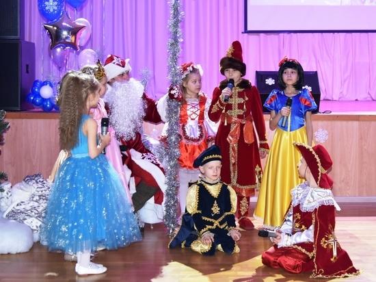 В школах Астрахани нестандартно подошли к празднованию Нового года