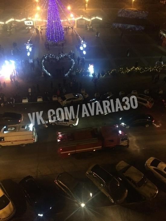 В Астрахани на площади Ленина сбили женщину с двумя детьми