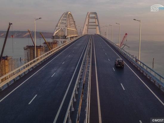 Счет на миллионы: сколько автомобилей проехало по мосту в Крым