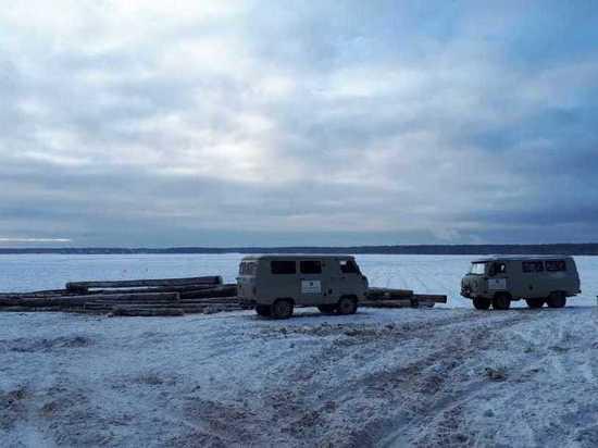 Въезд на лед озера Балтым заблокировали бревнами