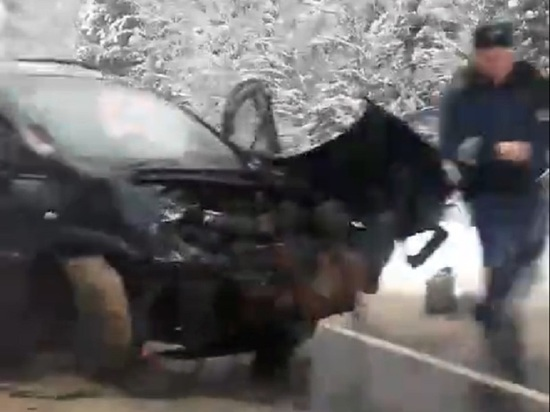 В Ивановской области автомобиль сбил снегоход, выскочивший на трассу