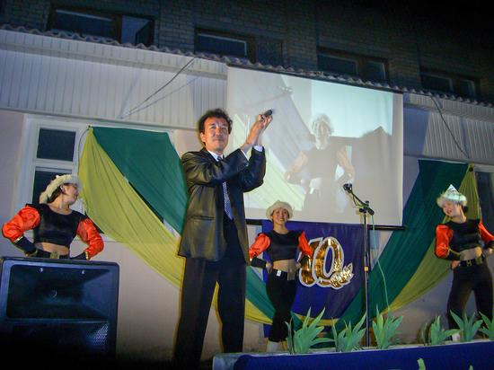 Популярный музыкант из Калмыкии: «Я вам спою еще на бис»