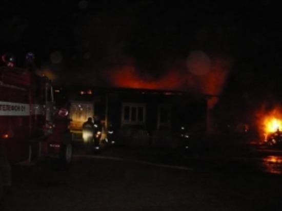 В Сафонове сегодня ночью горел магазин