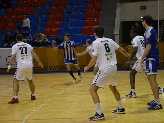 «Динамо-Виктор» возобновил тренировки