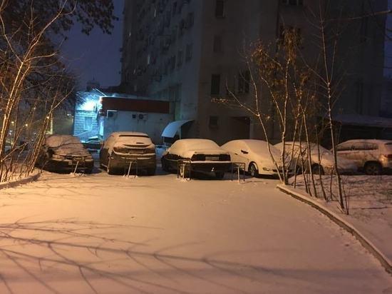 Симферопольские школьники дождались снега - город завалило!