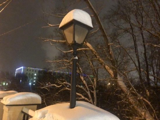 Горуправу Калуги просят зажечь фонари на Каменному мосту
