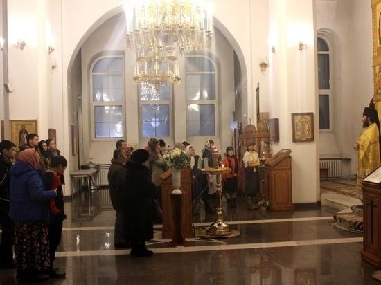 В православном храме Тувы новогоднее богослужение прошло на  двух языках: церковно-славянском и тувинском