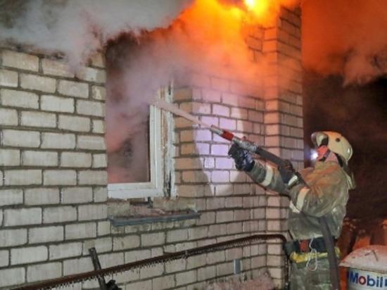 В Сафоновском районе горел жилой двухквартирный дом