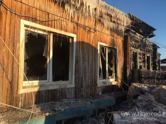 В новогоднюю ночь пожар оставил без крова семью с двумя детьми в Братске