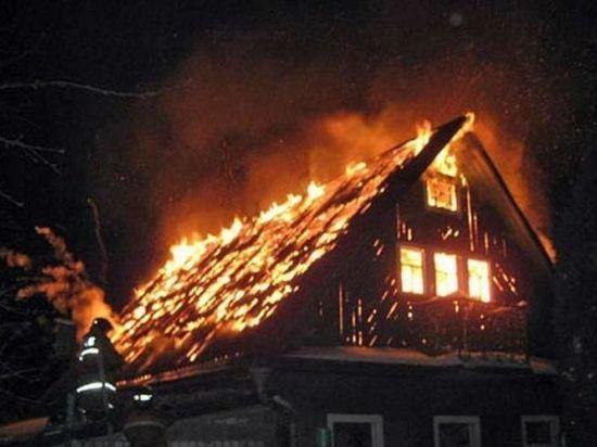 Информация о пожаре в городе Удомля поступила в оперативную дежурную смену МЧС России по Тверской области ночью 4 января, в 2