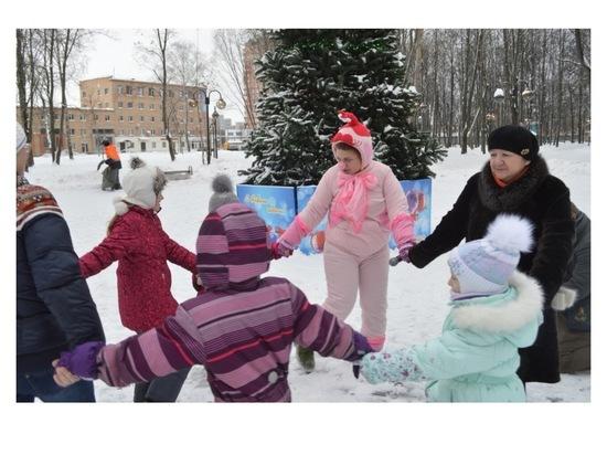 В Серпухове юные горожане развлекались со свинкой Нюшей