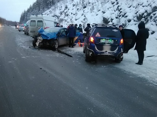 На дороге Екатеринбург – Серов погиб водитель, пострадали три ребенка