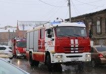 В Астрахани из-за курильщиков сгорели дом, квартира и автомобиль с мотоциклом