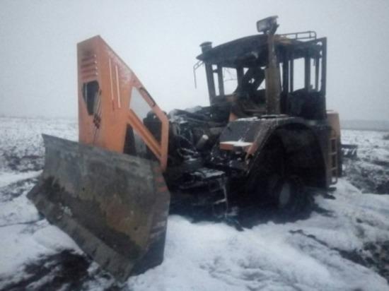 В Духовщинском районе Смоленской области сгорел трактор
