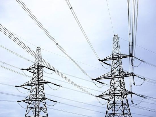 В Бурятии водитель КАМАЗа оставил село без электричества