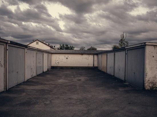 Барнаулец арендовал гараж, а потом тайком продал его