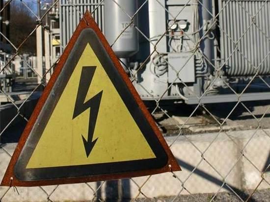 Энергетики призывают граждан соблюдать правила электробезопасности в период зимних праздников