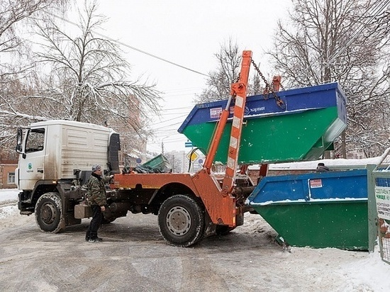 Жалобы на невывезенный мусор: тульское правительство вышло с инспекцией