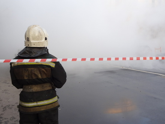 В Засвияжском районе Ульяновска прорвало трубу с водой