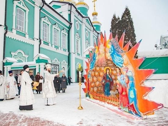 В Тамбове на двух площадях установили рождественские вертепы