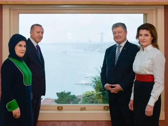 Порошенко получив в Турции Томос, не забыл про Крым