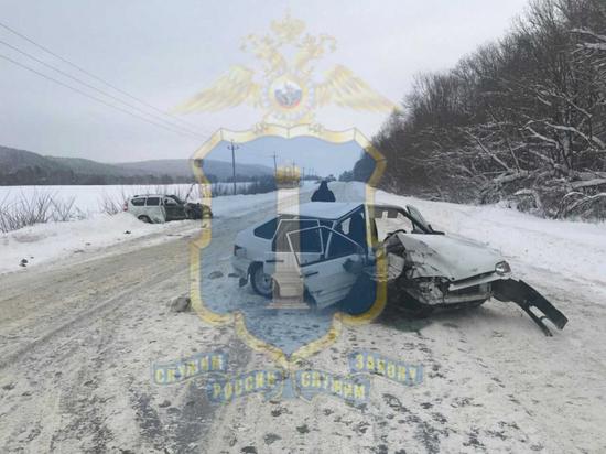 В лобовом ДТП в Барышском районе пострадало 5 человек