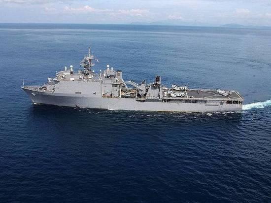 В сторону Крыма движется корабль с американскими морпехами