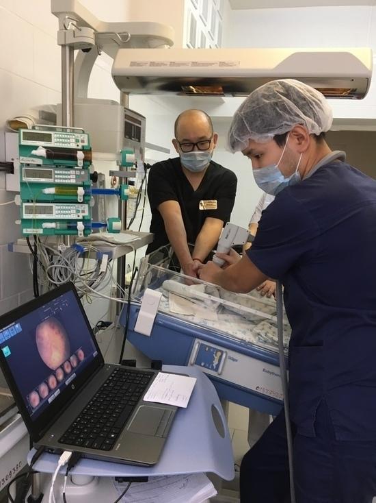 В Элисте заработал аппарат для исследования сетчатки глаза у малышей