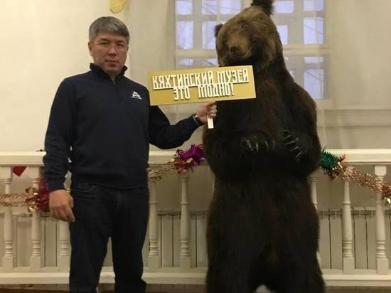 Фото дня: глава Бурятии посетил Кяхтинский краеведческий музей