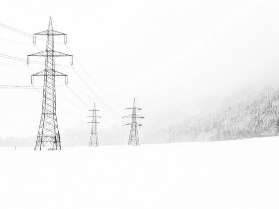 Мокрый снег оставил без света 17 населенных пунктов в Крыму