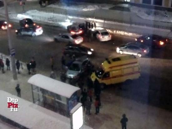 БМВ на полной скорости протаранил полицейскую машину в Петрозаводске