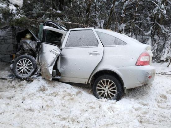 Два человека погибли и пять пострадали при ДТП в Кировской области