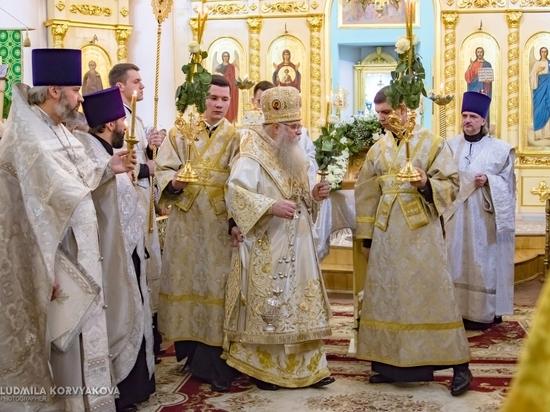 Сотни православных в Петрозаводске посетили рождественскую службу