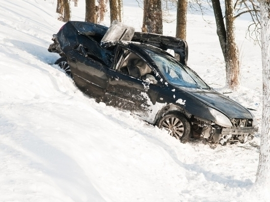 В Крыму случайные полицейские вытащили водителя в обмороке из кювета
